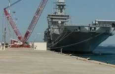 Movimentazione in arsenale nuovo Taranto | nave Cavour AC 2800