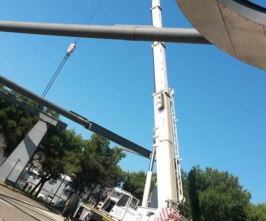 Demag AC80-1 MAGIS SPA | demolizione struttura metallica a Manduria