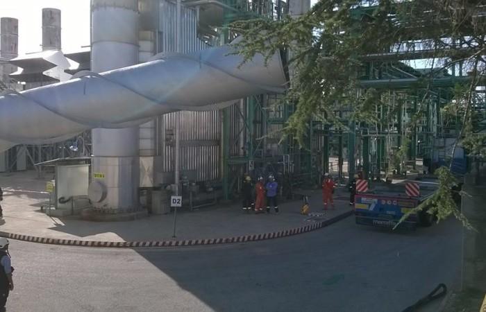 Dettaglio sollevamento camino | Centro olio ENI Viggiano, Basilicata