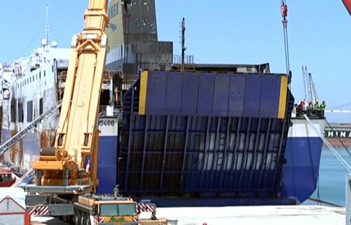 Magis Srl | sollevamento portellone nave Norman Atlantic inizio apertura